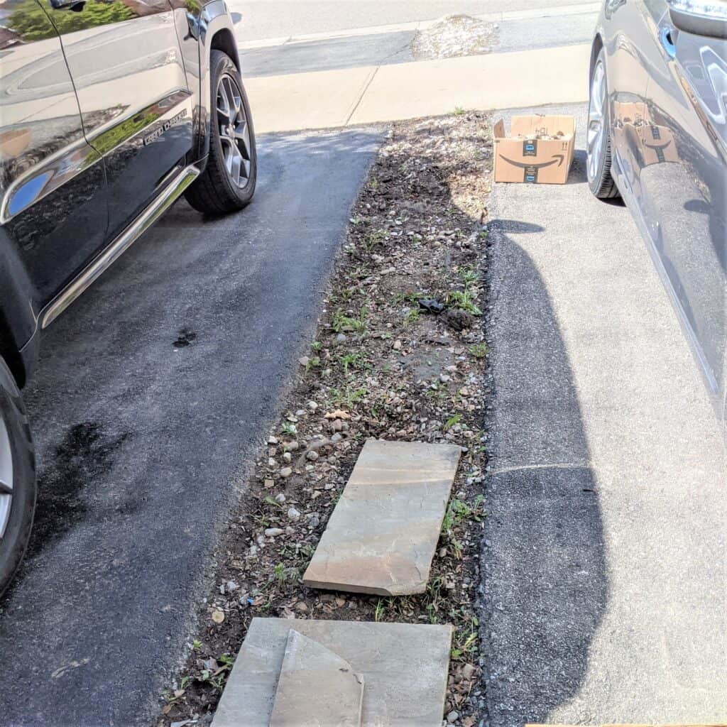path between two driveways